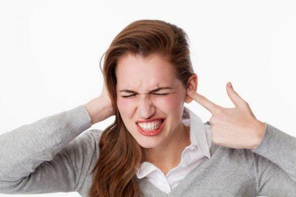 Зуд в ушах — причины