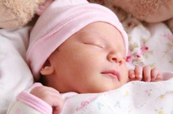 Как лечить насморк у грудного ребенка