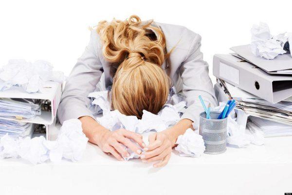 Прыщи в лобной зоне очень часто являются результатом тревоги и стрессовых ситуаций