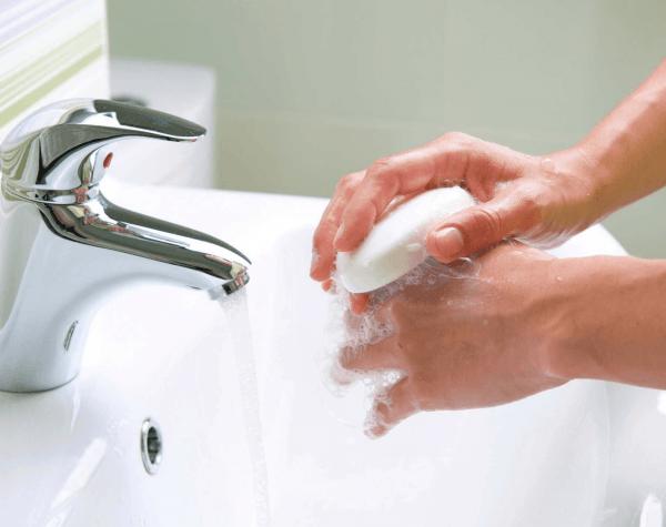 Регулярно и тщательно мойте руки