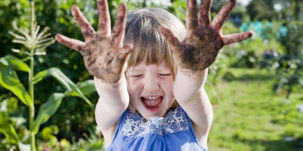 В детском возрасте аппендицит может быть спровоцирован плохой гигиеной рук