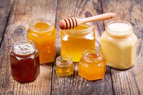 Мед улучшает состояние сосудистых стенок, стимулирует циркуляцию крови в сосудах полового члена