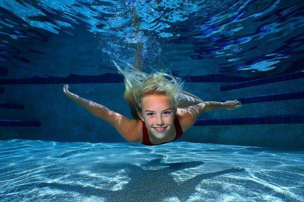 Плавание рекомендовано при кифосколиозе