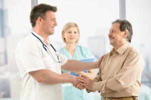 Регулярно посещайте гастроэнтеролога и стоматолога