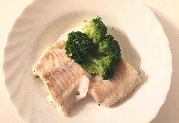 Рыба на пару с брокколи