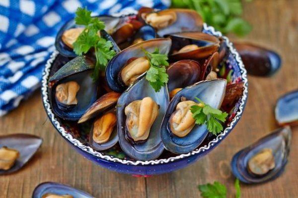 Употребление морепродуктов перед предполагаемой близостью положительно сказывается на работе половых органов
