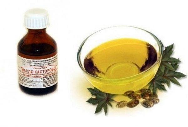 Касторовое масло хранится в холодильнике, перед нанесением его нужно налить в тёплую чашку