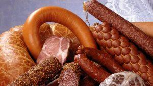 Колбасные изделия, сосиски