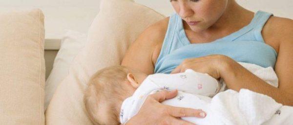 Кормящим женщинам препараты от геморроя нужно выбирать особенно тщательно, чтобы побочные эффекты не нанесли вред малышу