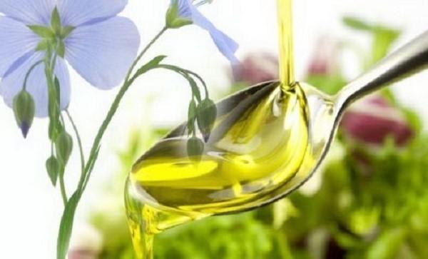 Льняное масло не только обладает лекарственным эффектом, но также и полезно всему организму