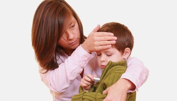 При обнаружении симптомов кишечной инфекции у ребенка сразу обратитесь за помощью к специалисту