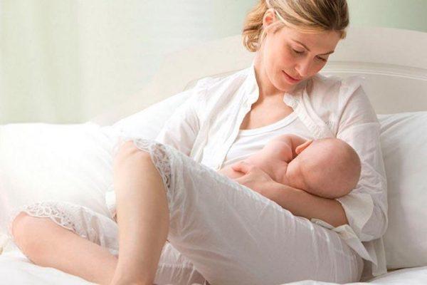 Препарат рекомендуется принимать кормящим женщинам для профилактики мастита