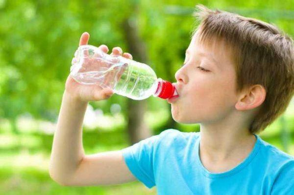 Ребенок должен пить как можно больше воды