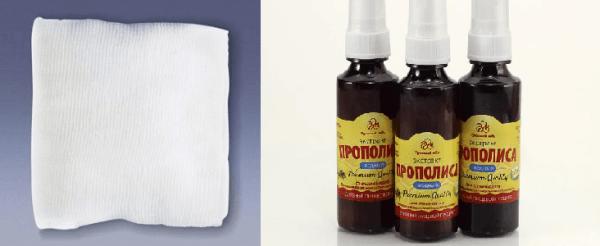 Для примочек следует использовать стерильные салфетки, чтобы не занести в ранки инфекцию