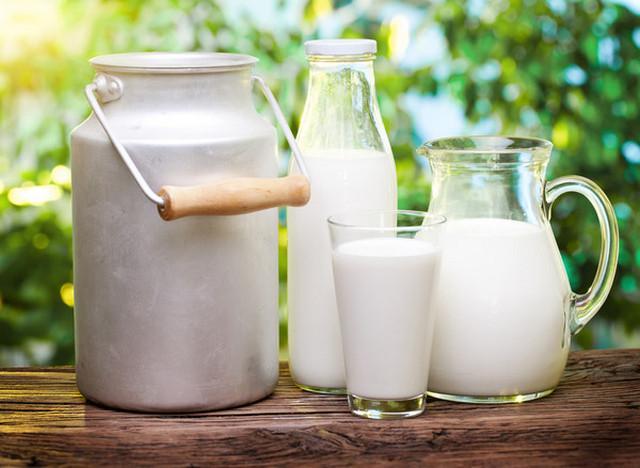 Молоко поможет избавиться от возникшего неприятного запаха