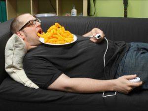 Очень важно принимать правильное положение тела во время еды