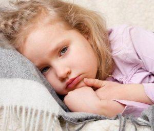 Тошнота у ребенка – проблема, которую стоит как можно быстрее решить
