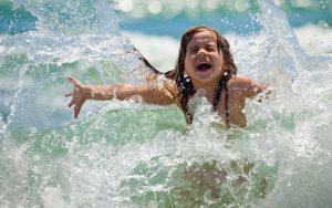 Активный путь заражения чаще всего встречается в тёплое время года