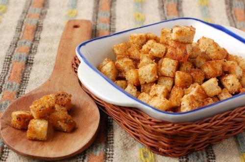 Подсушенный хлеб и сухари - полезная еда при ротавирусе