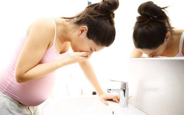 Беременных женщин часто тошнит