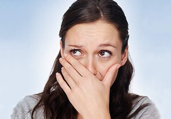 Неприятный запах изо рта может быть свидетельством внутренних заболеваний