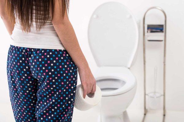 Частые позывы в туалет случаются не только из-за отравления