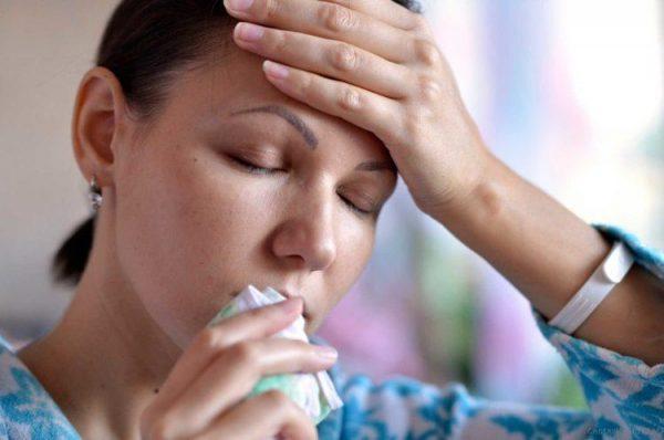 Частые выделения из носа и простудные заболевания - повод как можно быстрее обратиться к врачу
