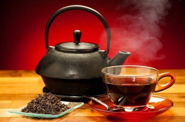 Черный чай содержит большое количество пуринов