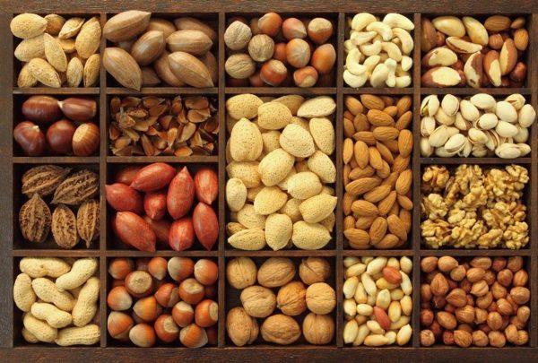 При отсутствии аллергии для пищеварения хороши все виды орехов