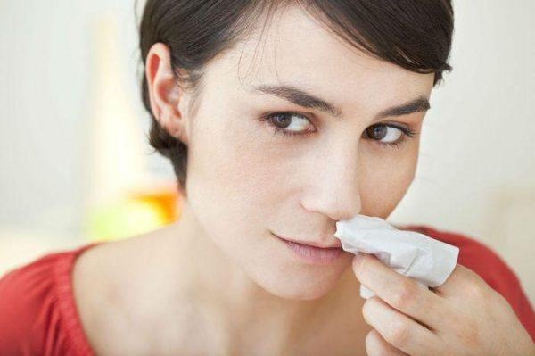 Кровотечение из носа может возникать при плохой свёртываемости крови