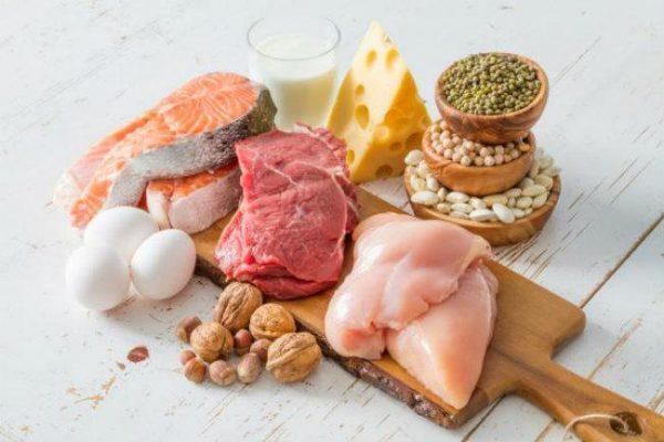 При ЖДА необходимо включить в рацион продукты с высоким содержанием белка