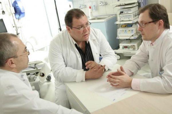 При проблемах с эрекцией необходимо обращаться к врачу
