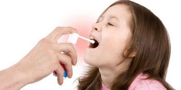 Применение средства от боли в горле возможно только после изучения аннотации
