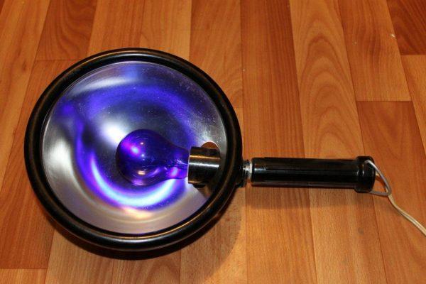 Рефлектор Минина – синяя лампа для универсального лечения