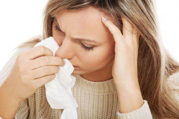Сморкаться после кровотечения из носа крайне нежелательно