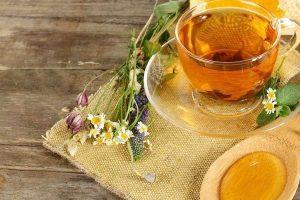 Теплые травяные чаи