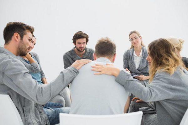 Очень важно, чтобы члены семьи пациента также прошли консультацию у врача. Они должны уметь контролировать ситуацию, следить за поведением больного
