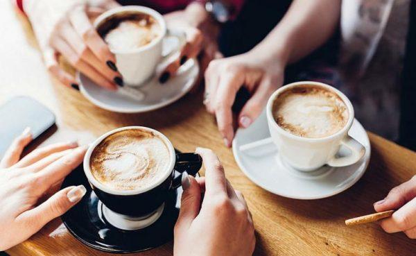 Чрезмерное количество (более трех чашек в день) кофе, выпиваемого ежедневно, может привести к инсульту