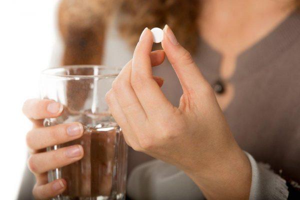 Когда применяют антибиотики при фурункулах