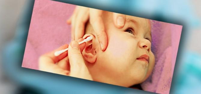 Как чистить ухо ребенка